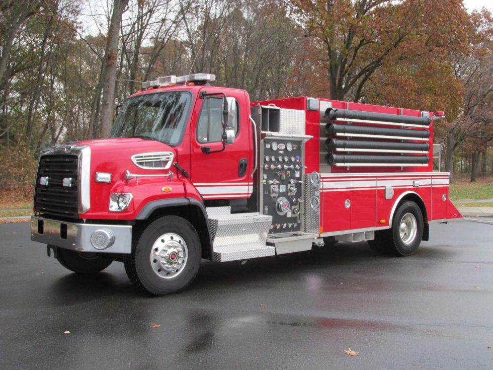 2000 Gallon Tanker on FL-108SD Chassis
