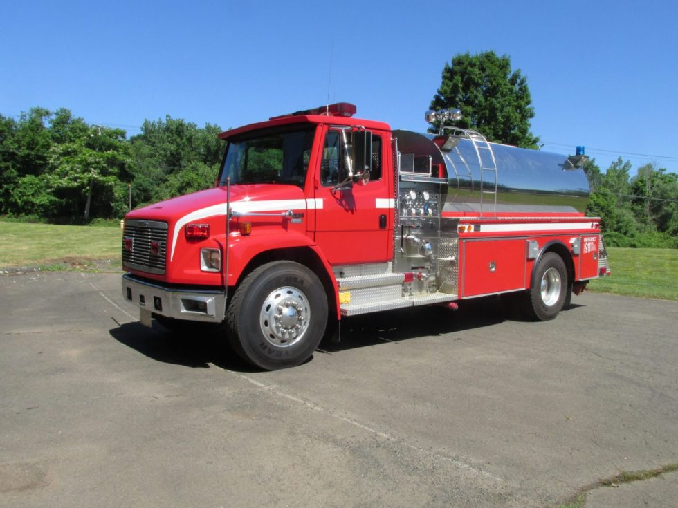 1800 Gallon Tanker on a FL Chassis